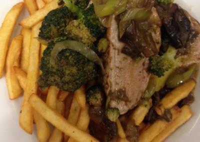 Restauracia_Penzion_Bowten25